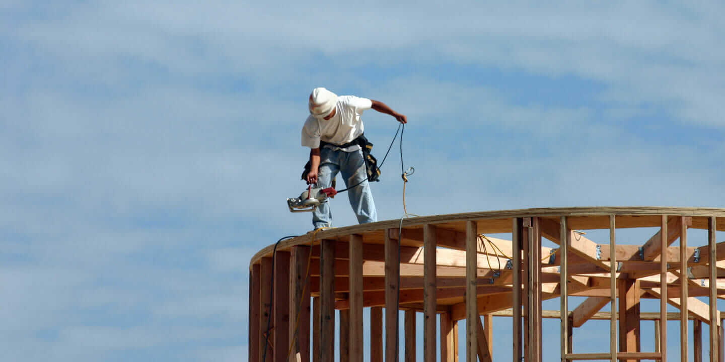 safety on construction sites Health and safety is a concern across all of the uk's industries, but it's  the risks  presented at construction sites are well documented, yet 39.